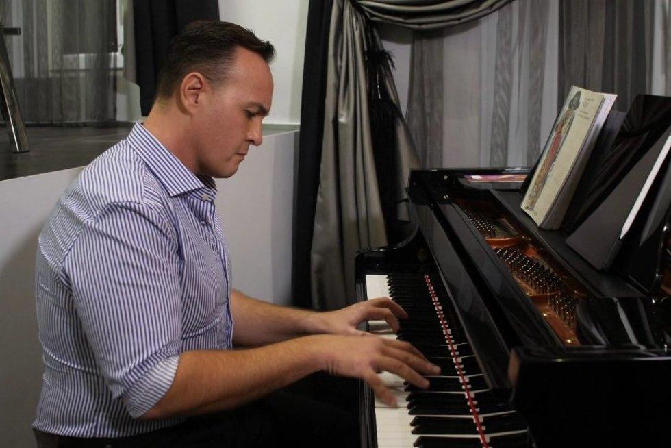 Operos solistas aprodė prabangų būstą Vilniuje
