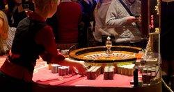 Atsigavus ekonomikai, vėl vis daugiau žmonių susižavi azartiniais žaidimais