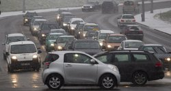 Įvertina per sekundę: kodėl draudimas vairuotojams brango ir toliau šiemet brangs