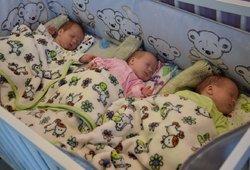 Vilkaviškyje – stebuklingas trynukų gimimas: galvojo, kad laukiasi dvynių