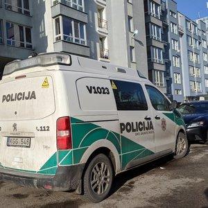 Vilniuje žuvo iš daugiaaukščio iškritusi mergina: jai buvo vos 22 metai