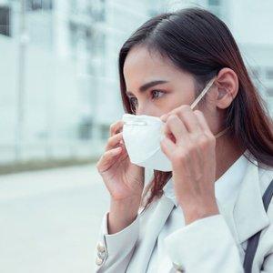 Plintant mirtinam virusui įvardijo, kam reikia dėvėti apsaugines kaukes