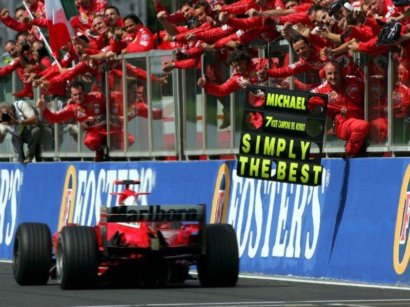 Schumacherio šlovės akimirka: septintą kartą tampa F1 pasaulio čempionu (nuotr. SCANPIX)