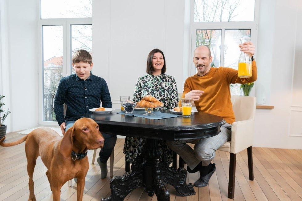 """Žygimantas ir Dovilė Stakėnai tampa naujos TV3 televizijos laidos """"Tėvų darželis"""" vedėjais"""
