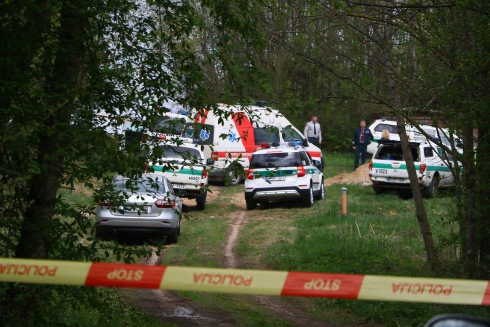 Kraupus nusikaltimas Vilniaus rajone: sūnus tėvams nukapojo galvas nuotr. Broniaus Jablonsko