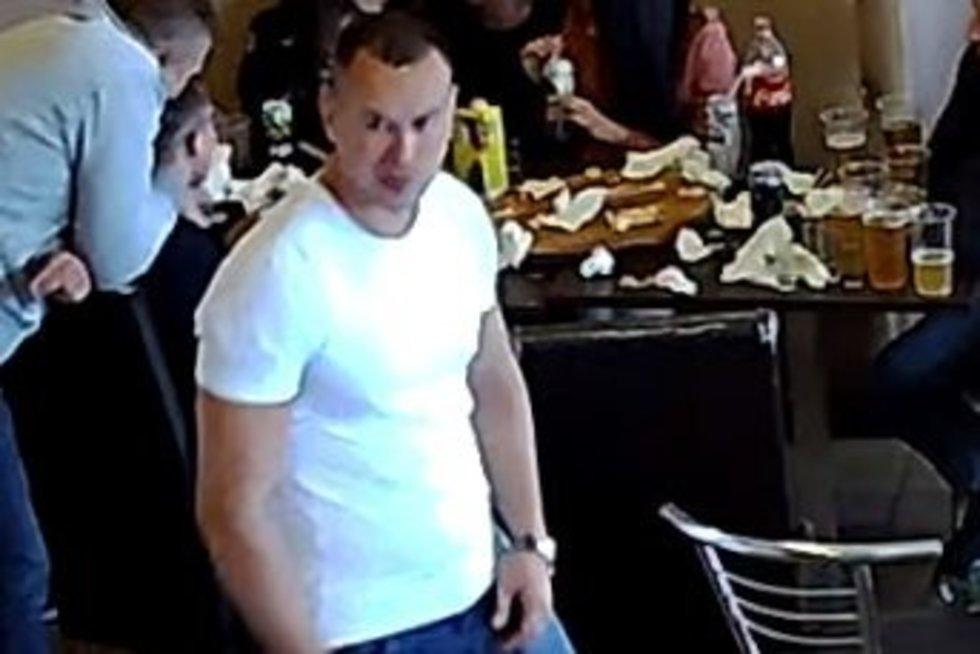 Kauno policija ieško vyro, galinčio padėti tyrime: gal atpažįstate? (nuotr. Policijos)