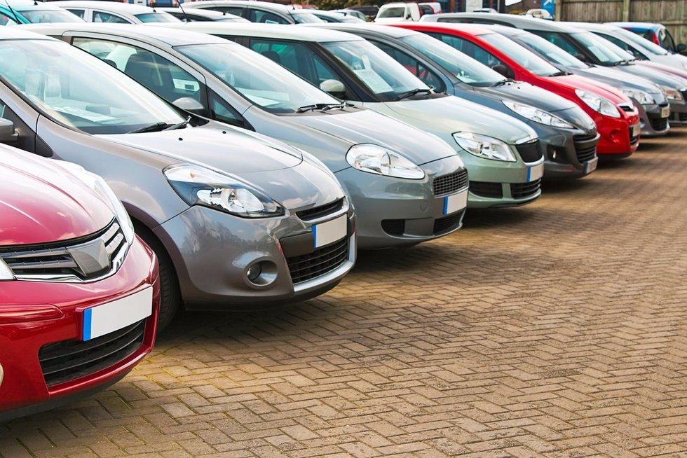 Automobiliai (nuotr. 123rf.com)
