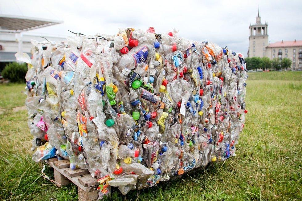 Plastikas (nuotr. Fotodiena.lt/Dmitrijaus Radlinsko)