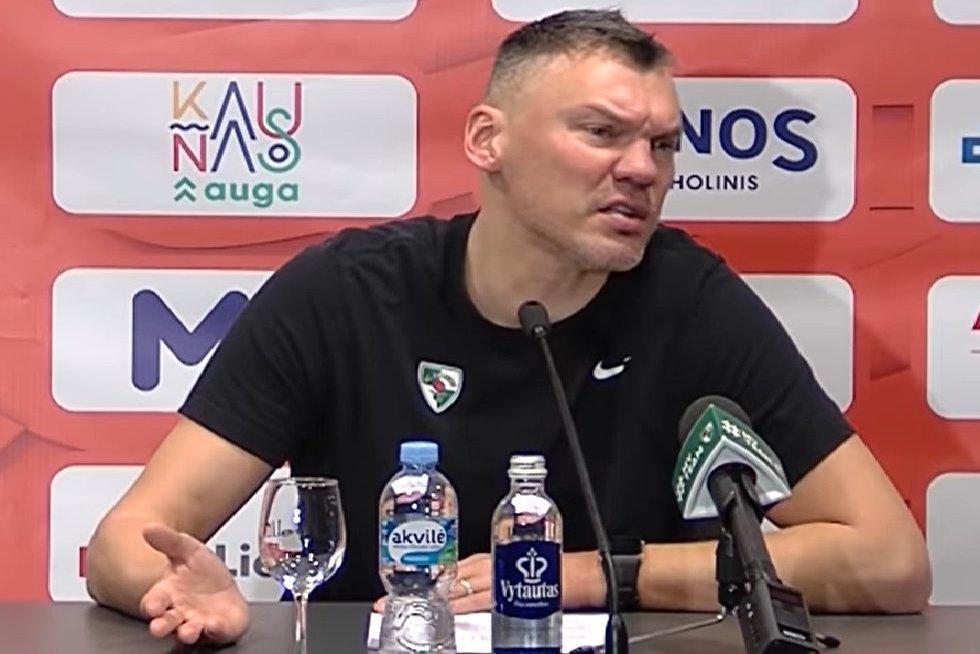 Š. Jasikevičiaus spaudos konferencijos akimirka (nuotr. stop kadras)