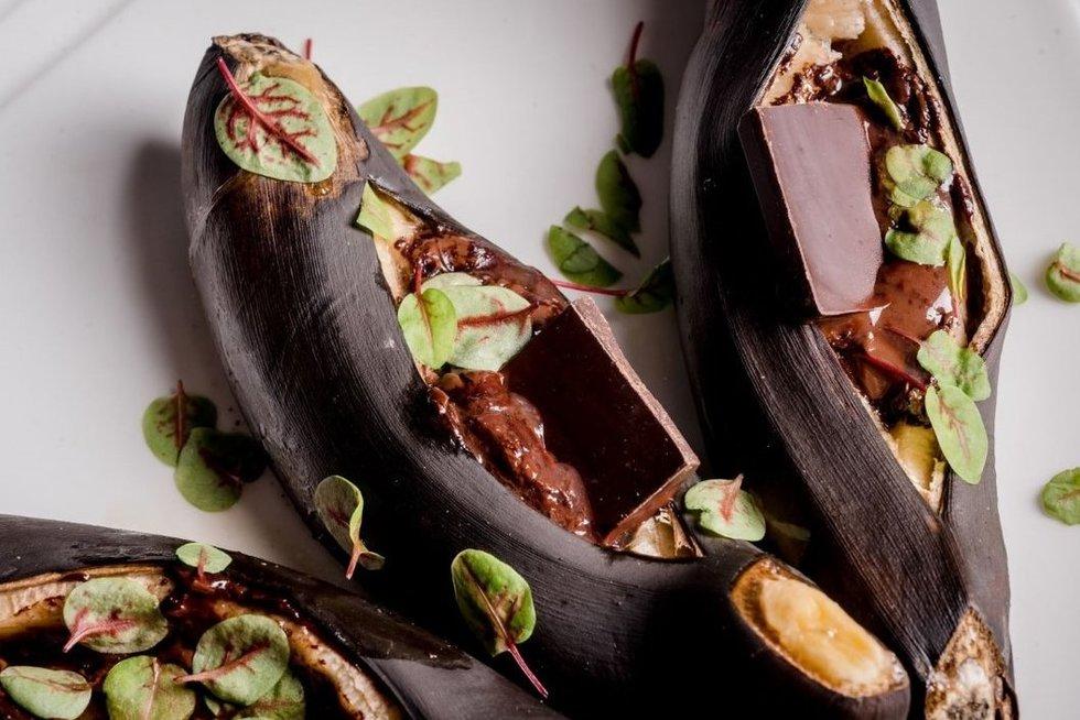 La maistas: kepti bananai su šokoladu (nuotr. Organizatorių)