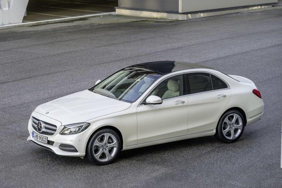 """""""Mercedes-Benz"""" C klasė (nuotr. Organizatorių)"""