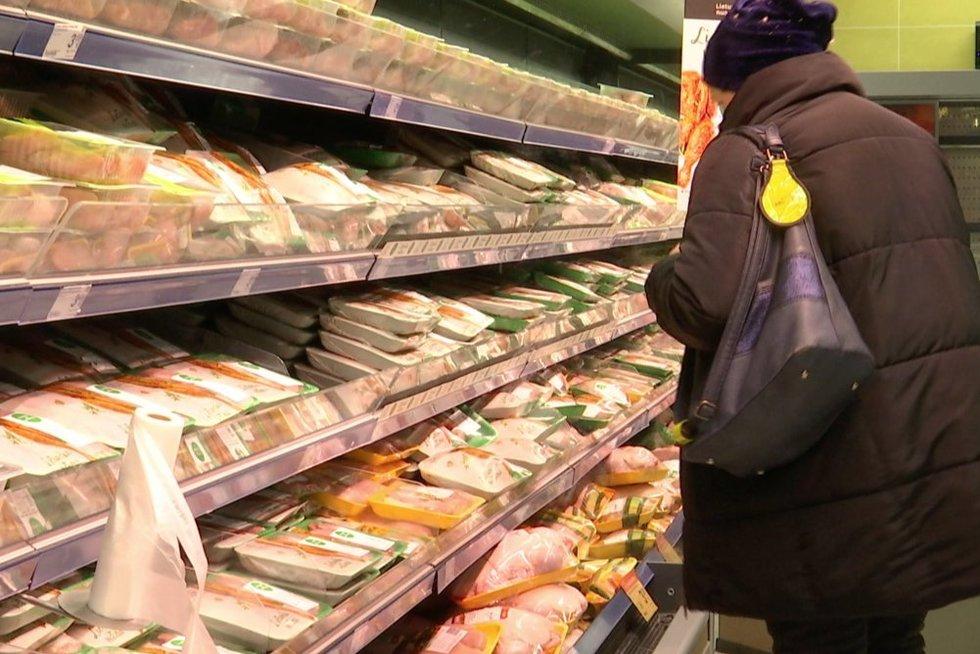 Mėsa parduotuvėje (nuotr. stop kadras)