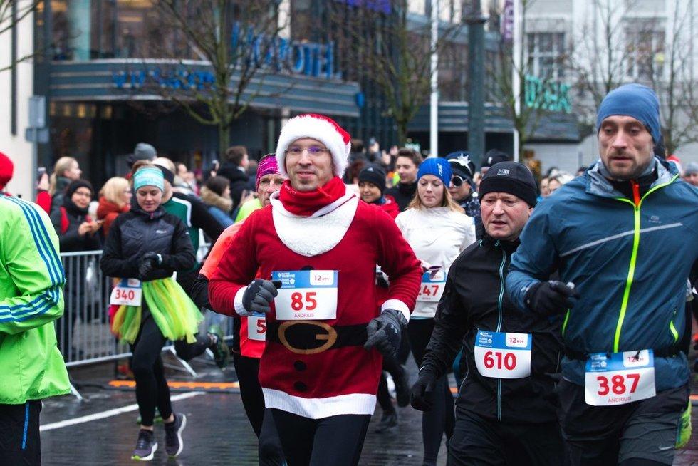"""""""Eurovaistinės Kalėdinis bėgimas"""" (nuotr. Fotodiena/Justino Auškelio)"""