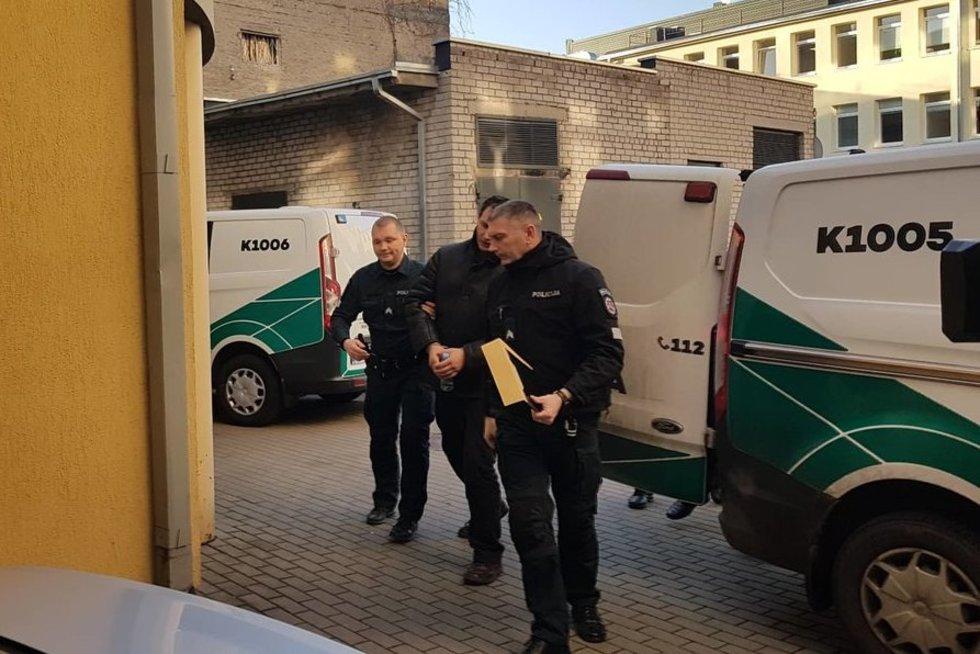 Teisme – įtariamieji žiauriu Garliavos gyventojo nužudymu (nuotr. TV3)