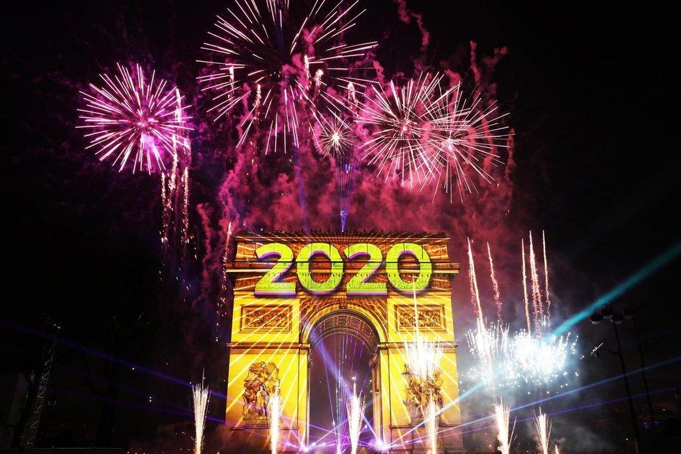 Dešimtmečio pradžios mįslė: jau švenčiame ar dar lauksime kitų metų? (nuotr. SCANPIX)
