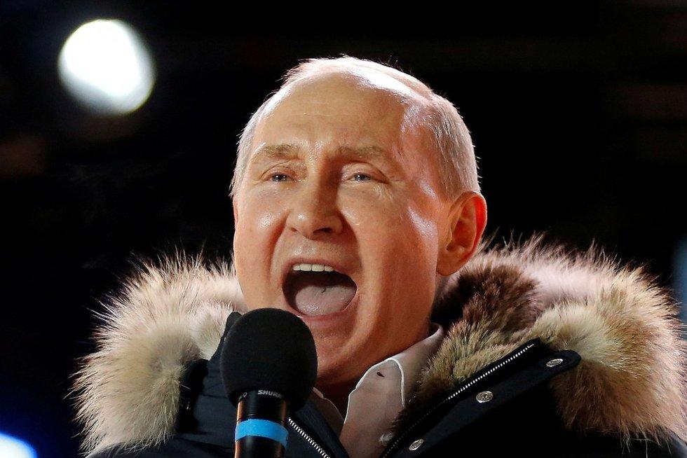 """Kremlius ruošiasi rinkimams: bandys rusus vilioti """"tankiųjų partija"""" (nuotr. SCANPIX)"""