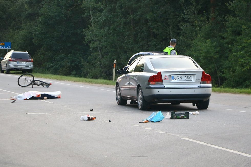 Netoli Vilniaus, kraupi dviratininkės mirtis nuotr. Broniaus Jablonsko