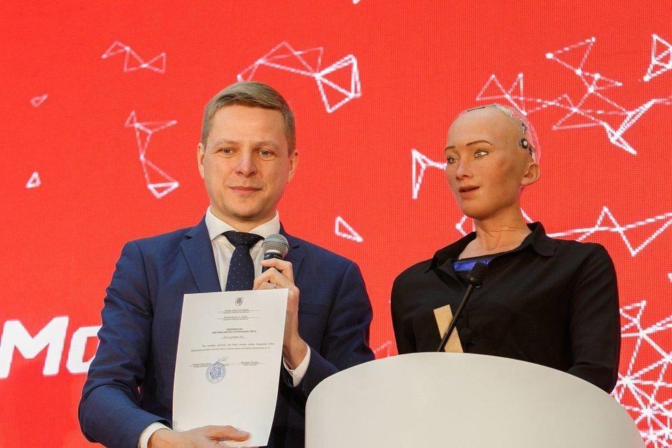"""Konferenciją """"Sofija – inovacijoms Lietuvoje įkvėpti ir paskatinti"""" (nuotr. Tv3.lt/Ruslano Kondratjevo)"""