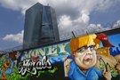 Grafitis šalia naujosios ECB būstinės Frankfurte. (Reuters/Scanpix nuotr.)