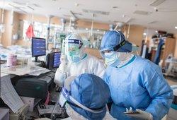 Dėl koronaviruso Lietuvoje stebima arti 800 žmonių