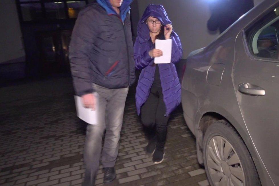 Į Klaipėdos teismą atvedami sugyventiniai (nuotr. stop kadras)