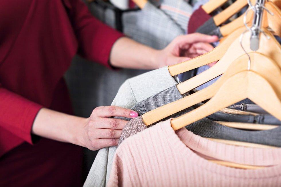 Padėvėtų drabužių parduotuvė (nuotr. 123rf.com)