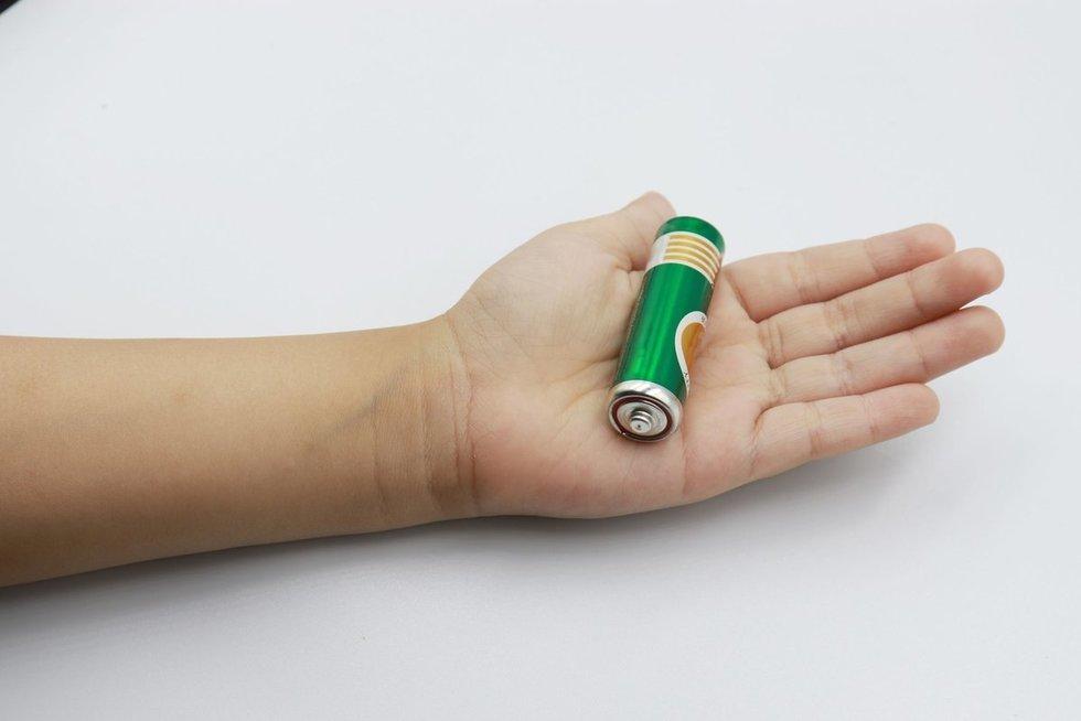 Vaikui prarijus bateriją perspėja kitus tėvus: svarbi kiekviena minutė (nuotr. 123rf.com)