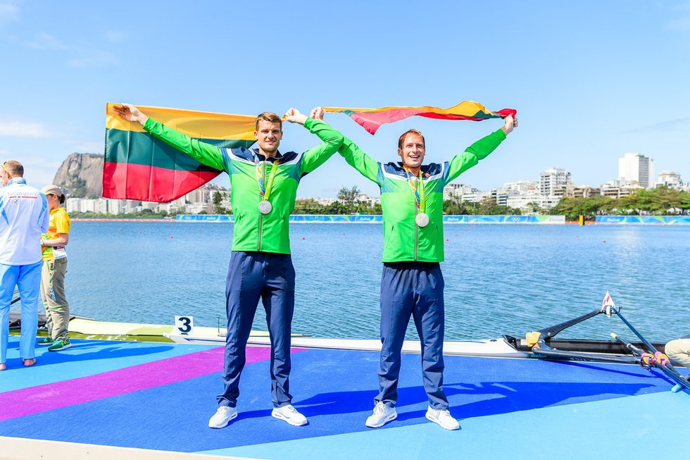 Lietuvos irkluotojai pasidabino olimpiniais medaliais (nuotr. Vytauto Dranginio)