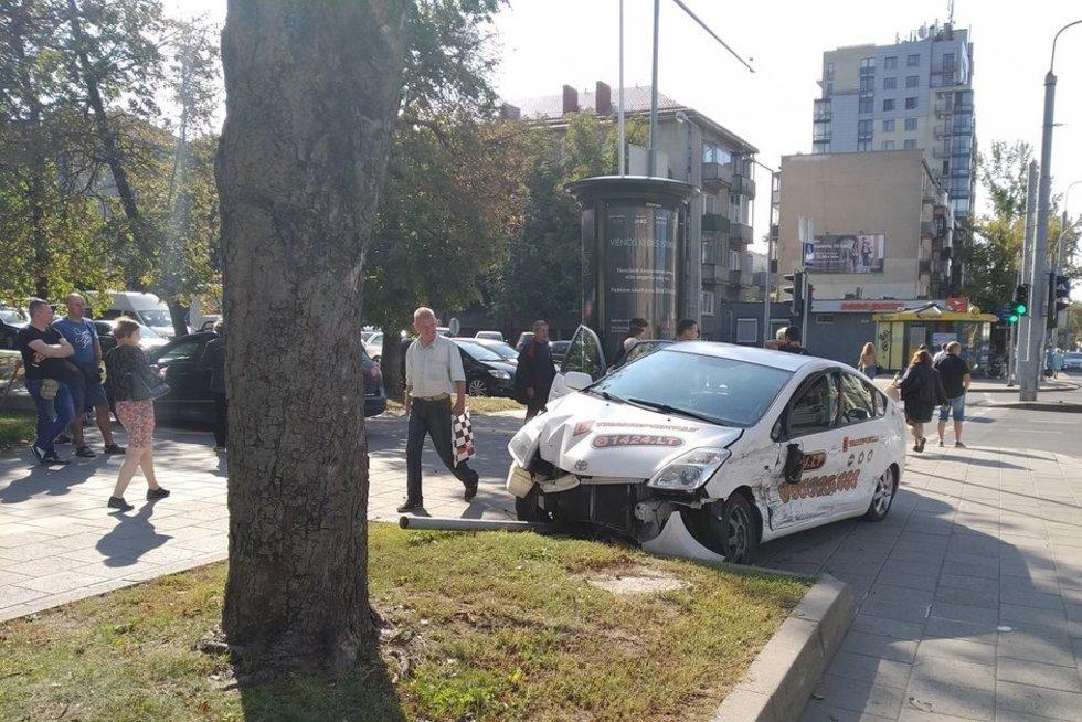 Avarija Antakalnyje, Reidas Vilniuje nuotr. (nuotr. facebook.com)