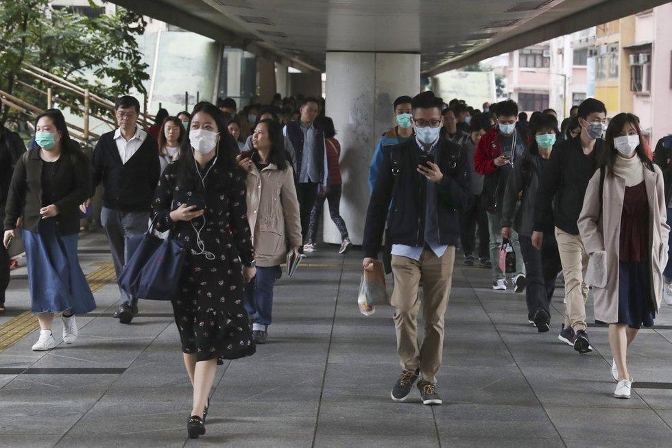Kinijoje siaučiantis virusas pasiglemžė dar vieną gyvybę (nuotr. SCANPIX)