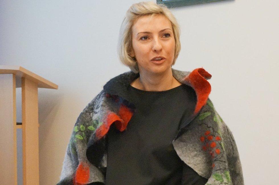 Atliktą tyrimą pristatė Lietuvos neįgaliųjų draugijos pirmininkė Jelena Ivančenko. (Aldonos Milieškienės nuotr.)