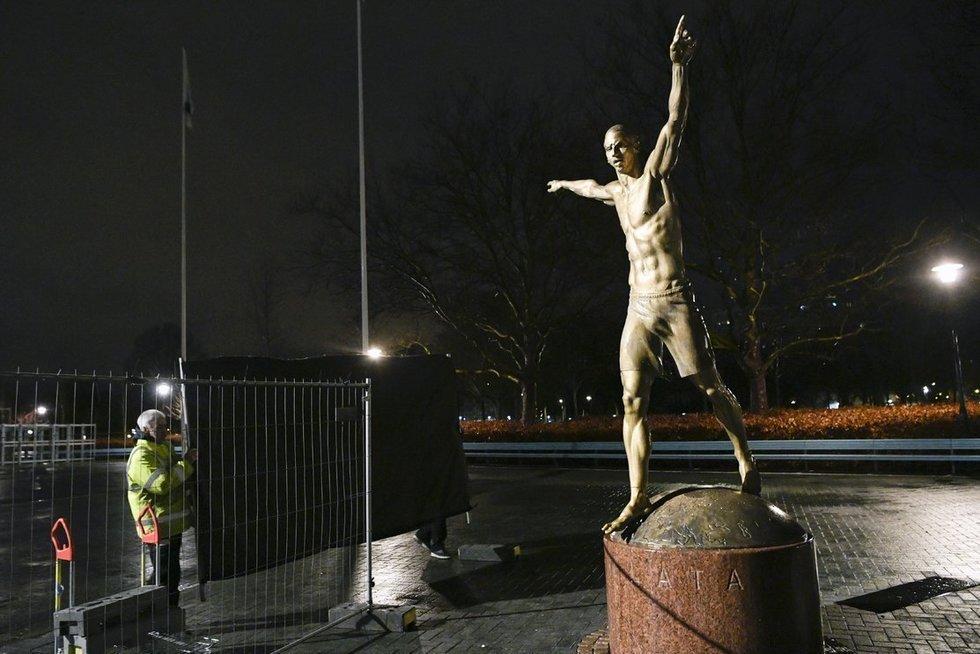 Z. Ibrahimovičiaus statula (nuotr. SCANPIX)
