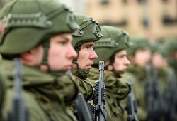 Nuo penktadienio ryto kariuomenė išeina į miestų gatves