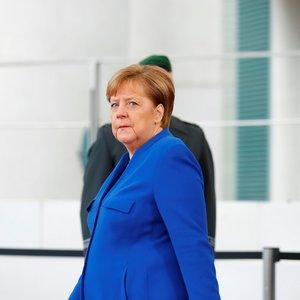 Merkel po saviizoliacijos pirmąkart išėjo iš savo namų
