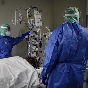 Koronaviruso atvejų pasaulyje sekmadienį padaugėjo per 30 tūkst., mirčių – 1,6 tūkst.