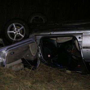 Molėtų rajone į tvenkinį įvažiavus automobiliui žuvo žmogus