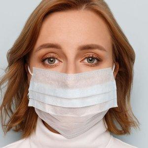 Koronavirusu serganti biržietė studentė: jei turite bent kiek proto, būkite namie