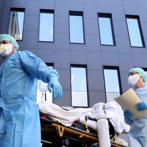 Lenkijoje – devintoji koronaviruso auka, užsikrėtusiųjų padaugėjo iki 774