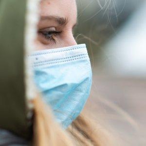 Profesorius įvardijo, kokia apsaugos priemonė nuo virusų efektyviausia