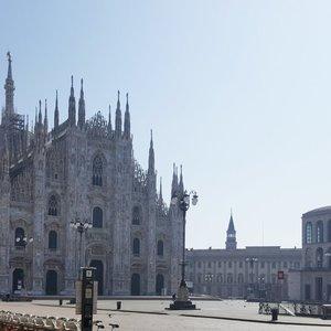 Ištuštėjusiame Milane gyvenanti lietuvė: prie parduotuvės tenka laukti ir po 2 valandas
