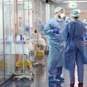 Koronaviruso protrūkis Lietuvoje: sergančiųjų skaičius perkopė 100