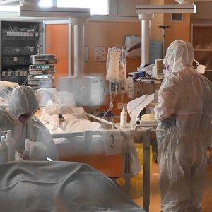 Italijoje koronavirusas pasiglemžė 67 kunigų gyvybes