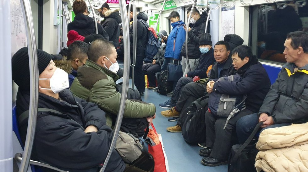Kinijos virusas: 9 mln. gyventojų turintį miestą palieka be viešojo transporto