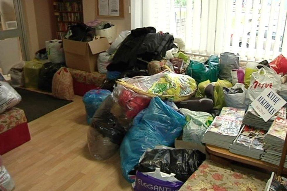 Dovanoti daiktai ir drabužiai (nuotr. TV3)