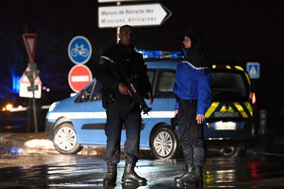 Aliarmas Prancūzijoje: po žiauraus nusikaltimo – gaudynės (nuotr. SCANPIX)