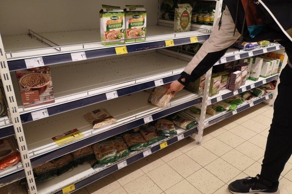 Lietuvoje perkami negendantys produktai (nuotr. Fotodiena/Justino Auškelio)