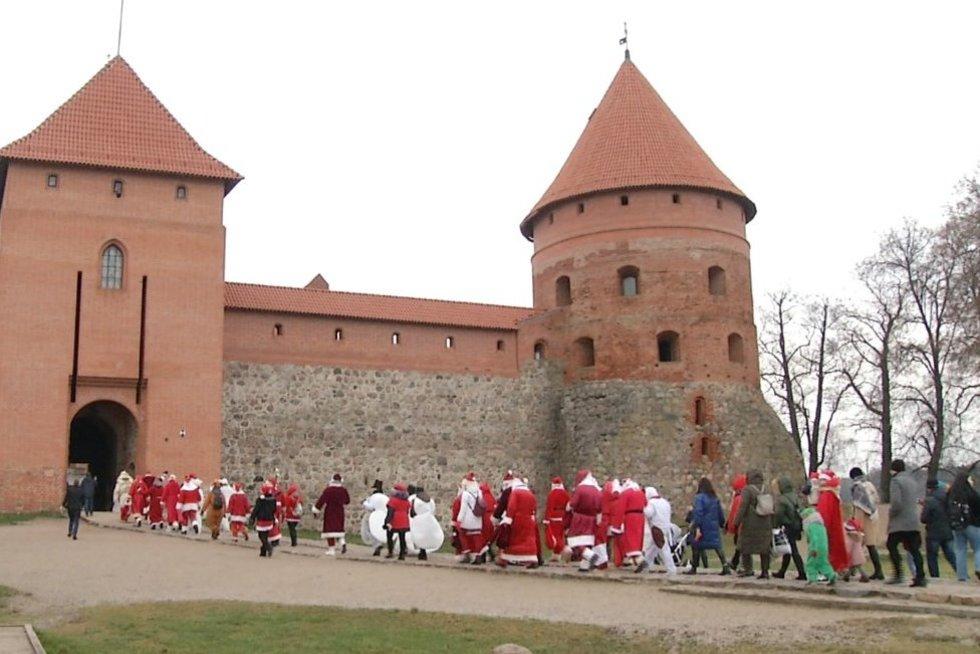 Kalėdų senelių susirinkimas (nuotr. TV3)