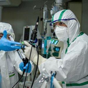 Kinijos mokslininkai mano, kad sukūrė vaistą nuo COVID-19