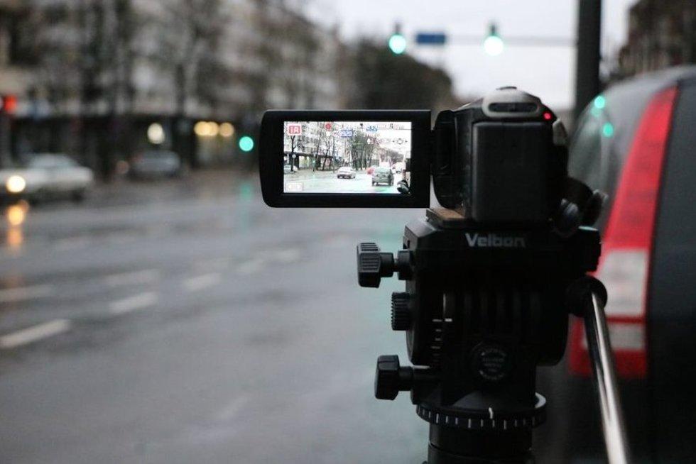 Kauno centre tikrinta, kaip vairuotojai laikosi kelių eismo taisyklių (nuotr. Policijos)