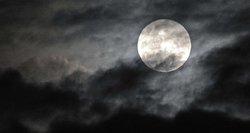 Mėnulio pilnatis: yra aiškus atsakymas, ar ji mus veikia